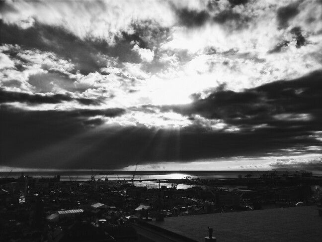 La luz cayendo sobre la ciudad