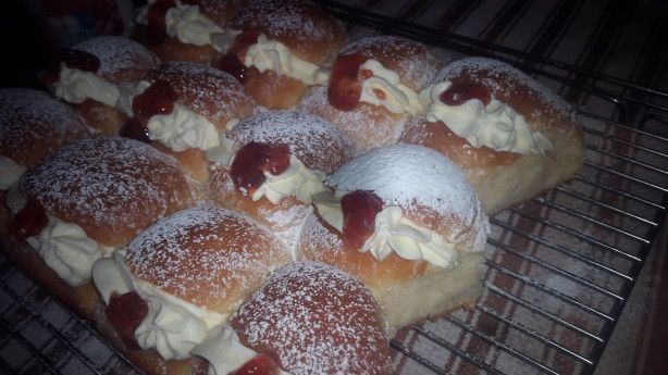 THIS IS MY ALLTIME FAVOURITE thing you can get in the bakery back home in new zealand, you cant get them here which is such a shame, borrowed a womans weekely recipe book of a friend and have to post it so i dont loose it.  i cannot believe no-one has posted them yet
