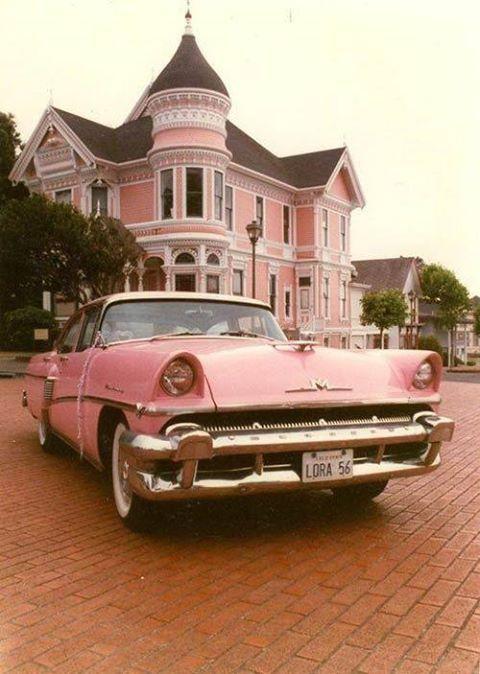 Holy matching house &  car, Batman!  LOL
