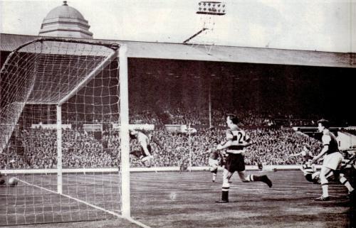 1960 - Hendon FC at Wembley