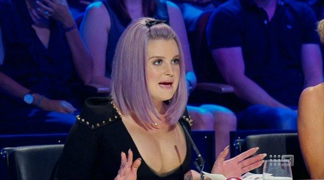 Where to look? Kelly Osbourne nearly resulted to a wardrobe malfunction during Monday nigh...