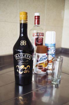 Receta: Shot de Baileys dulce de leche con vodka y crema batida