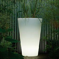 Serralunga Liscio Illuminated outdoor planter, lighted planter - Homeinfatuation.com