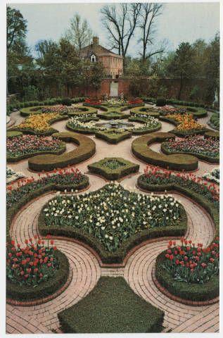 Latham Garden at Tryon Palace Restoration, New Bern, North Carolina :: North Carolina Postcards