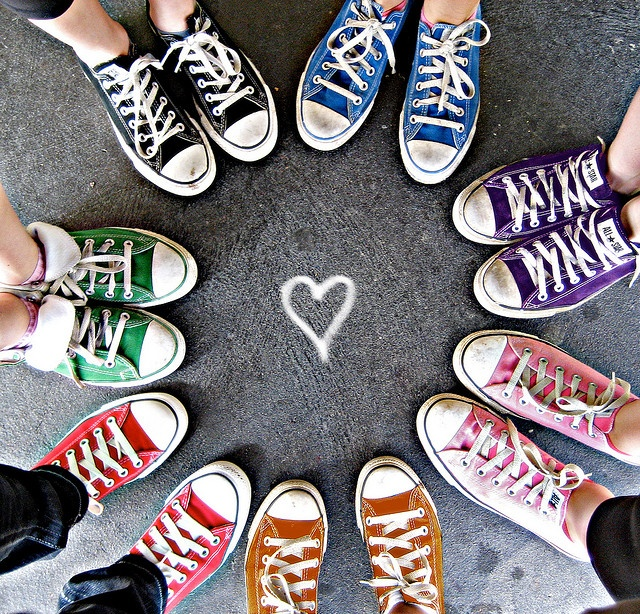 converse shoes in a circle wallpapers free