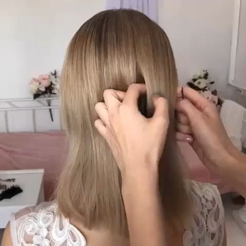 Beautiful and easy to follow elegant hair bun tutorial on short hair. 💖 See 30+ short wedding hairstyle ideas for every type of bride. // mysweetengagement.com // #weddinghairstyles #weddinghair #bridalhair #bride #bridalhairstyle #shortweddinghairstyles #shorthairstyles #hairtutorial #hairvideo #partyhairstyle
