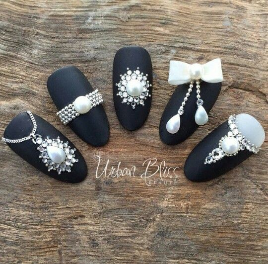 Black pearl nails design @swan_nails