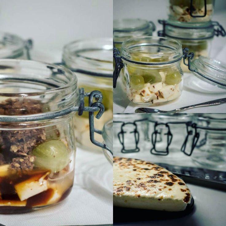 Blogissa uudenkarkea leipäjuusto jälkiruoka  #Suolakinuskia #leipäjuustoa #krumblea ja #karviaista mikäs sen parempaa?