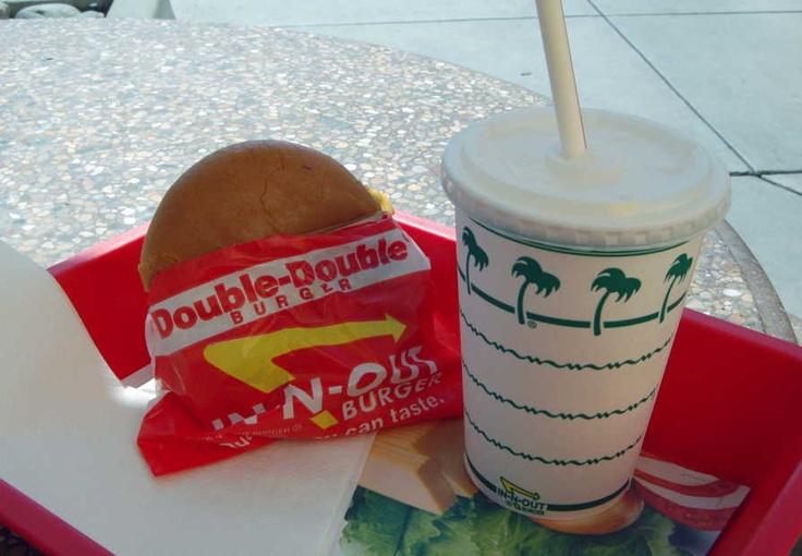 カリフォルニアを代表するIN-N-OUT BURGER(イネナウトバーガー)のTorranceで,ハンバーガーを食べました(2008年3月5日).