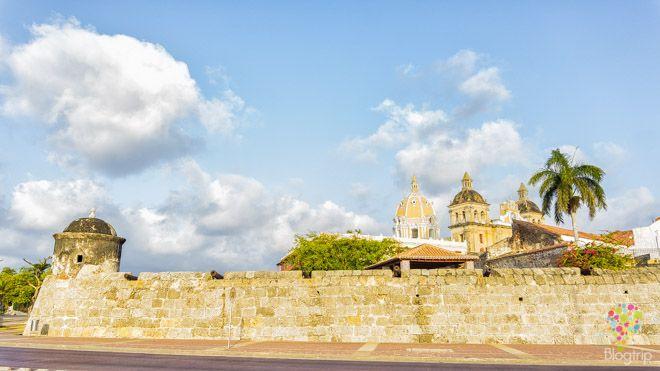 Visita de las murallas de Cartagena de Indias https://blogtrip.org/visitar-calles-cartagena-de-indias-colombia/