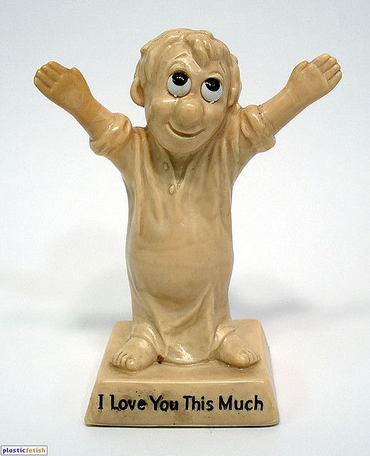 retro 1970s novelty - I love you this much ..my mom had this very one!