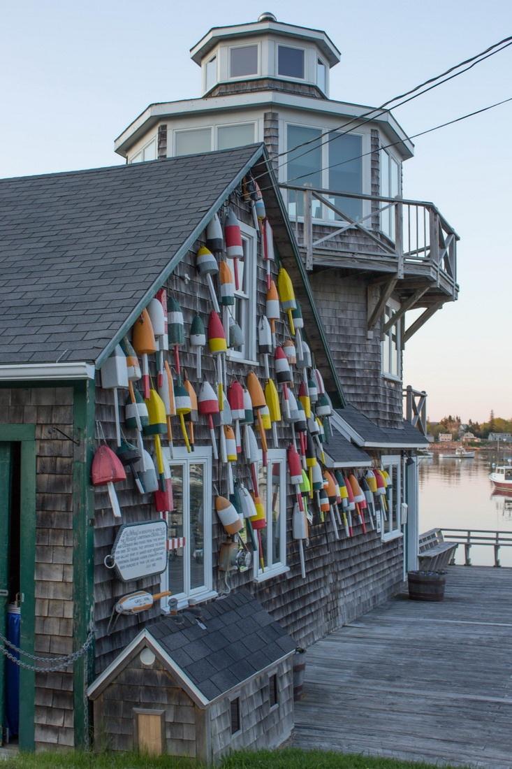 Lighthouse in Bernard, Maine. (Bass Harbor)