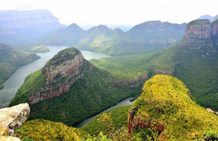 Nueve razones para viajar a Sudáfrica (y una es el vino). El espectacular Blyde River Canyon desde la Ventana de Dios.