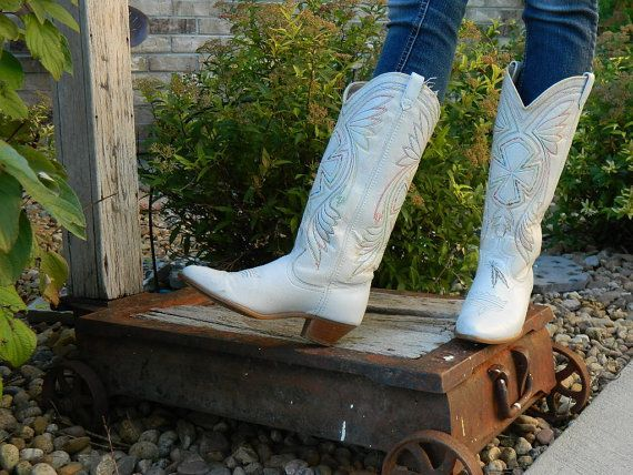 The 25  best ideas about White Cowboy Boots on Pinterest | Wedding ...