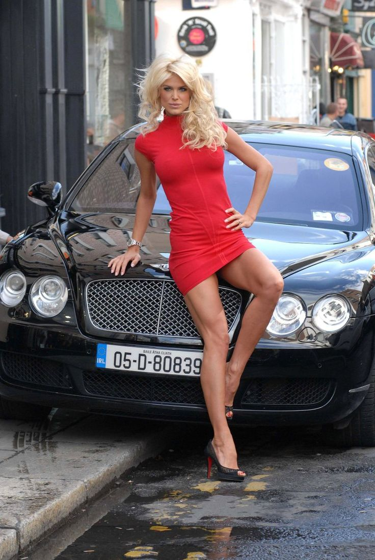 Victoria Silvstedt looking all tall, slim and fit, showing ...