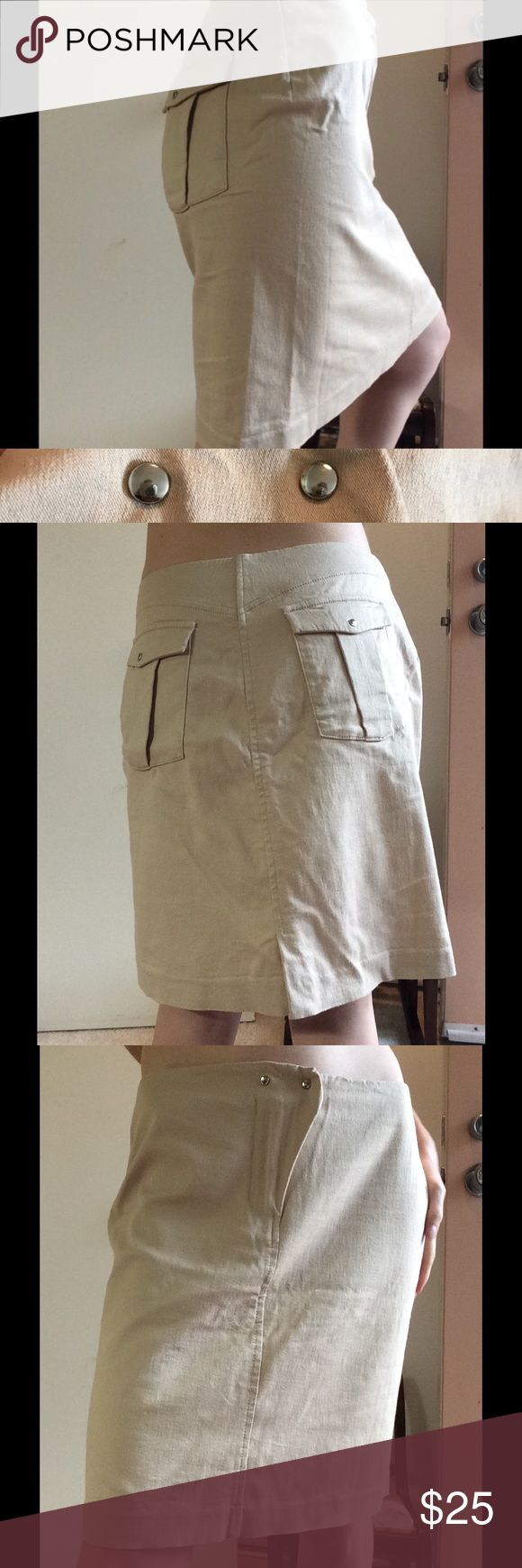 "[Single Noble] Casual Beige Cowgirl Pocket pencil Great condition. Super stretchy. I can not read the fabric tag but there are three kinds in it. Silver hardware. Double breasted studs at the top of the front zipper. Classy. Glamorous. Back to basics. Professional business attire. Working gal. Flap back pockets with snaps. Measurements laying flat: waist 15"", made for a woman with curvy hips. Length is 17.5"", hips 18"" cream color. Wear with cowboy boots for funky style. Skirts B Nordstrom…"