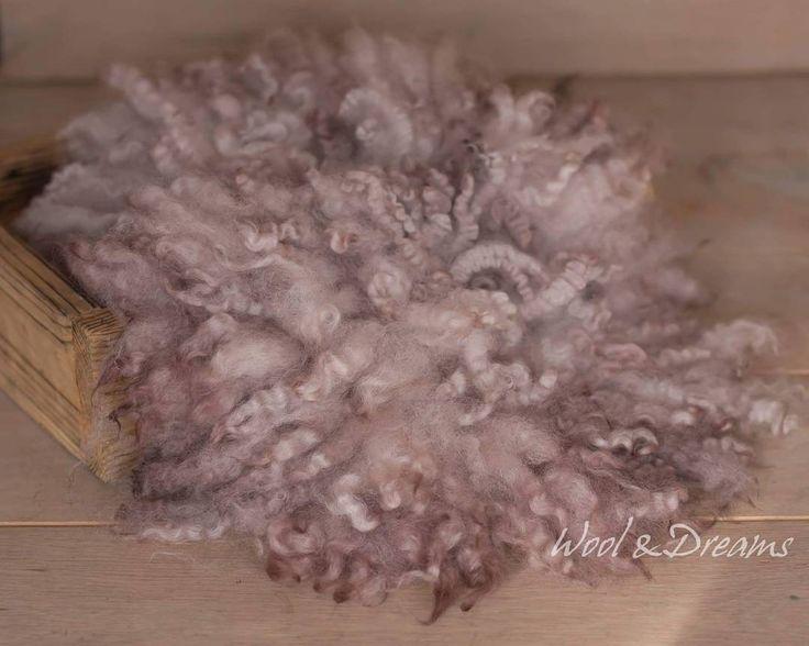 #rts #photoprops #handmade #handcraft #newbornphotpgraphy #newborn #photography #newbornphotoprop #newbornphotoprops #newbornprops #etsyshop #etsy #propshop #prop #woolanddreams #wool #mik #rts #woolblanket #Blankets #blanket #curlyfur #curlyblankets #feltednewbornprops #feltedfur #greybrown