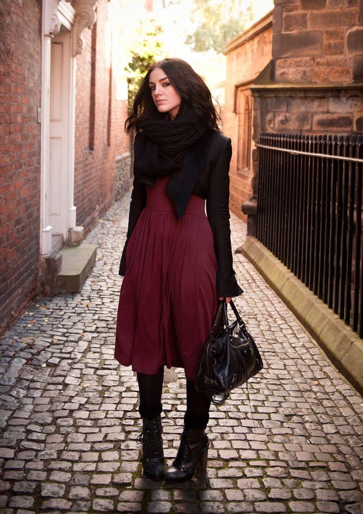 beautiful burgundy jacket outfit 16