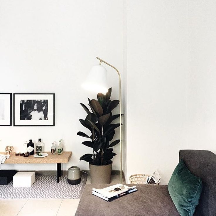 "57 Synes godt om, 4 kommentarer – NORR11 (@norr11) på Instagram: ""Our Line One lamp in white marble and brass looks amazing in these homely surroundings created by…"""