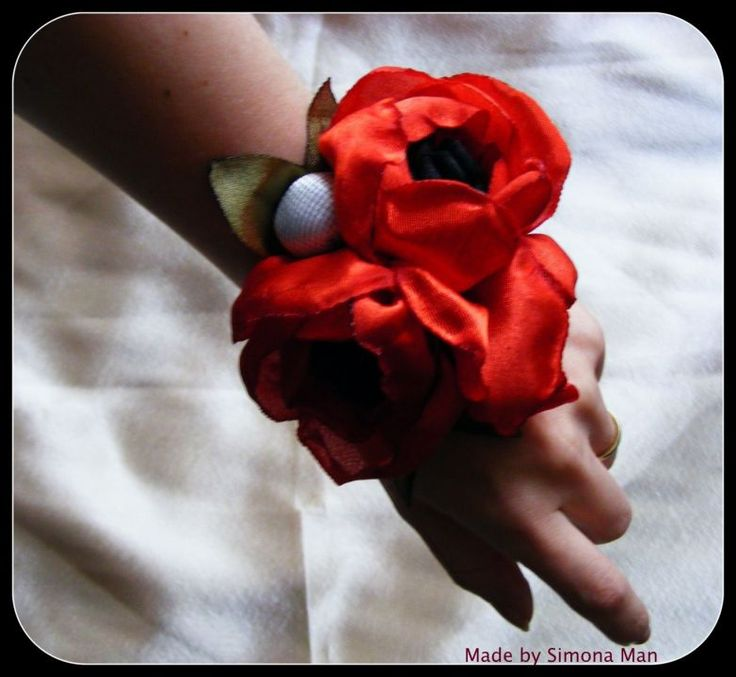 bratari, corsaje, flori artificiale, maci rosii, flori textile, accesorii, nunti, domnisoare de onoare, Cluj Napoca, la comanda