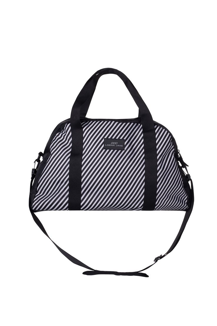 Stow your workout wear LJ style with the on trend classic black and white design. This large gym bag is perfect for everyday gym use, traveling and leisure activities – it's the ideal size to carry al