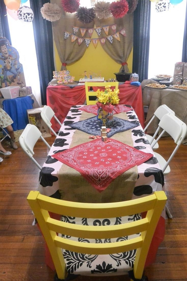 Aarlen's First Birthday: Woody's Round Up Western Party #chicafashionblog