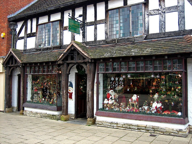 The Nutcracker Christmas Shop in Stratford upon Avon, England Bought the mini-snow-ball garland (4 Strands) in 2010.. TJ