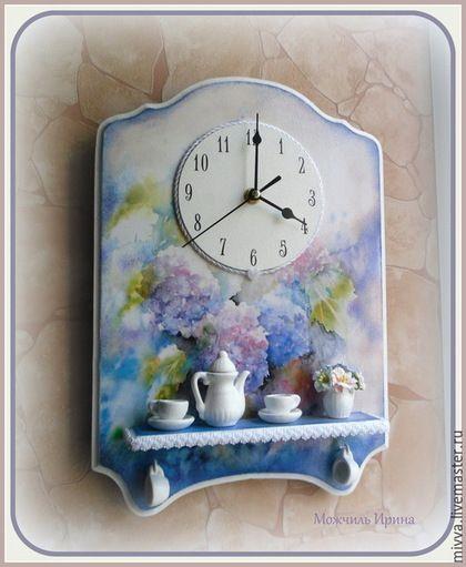 """Часы для дома ручной работы. Ярмарка Мастеров - ручная работа. Купить часы с полочкой """"Гортензия"""". Handmade. Голубой, фиолетовый, мдф"""