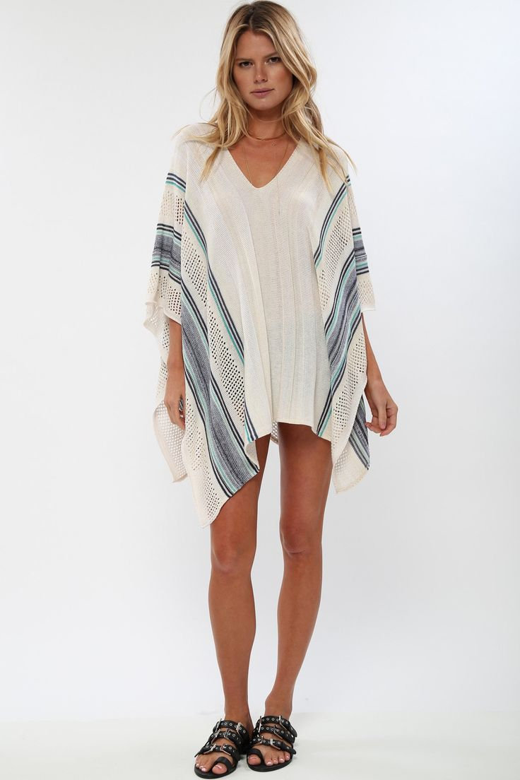 The Traveler Poncho in French Quarter – Goddis Knitwear