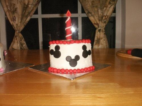 "Cutest 1st birthday ""smash cakes"" (pics!) | BabyCenter Blog"