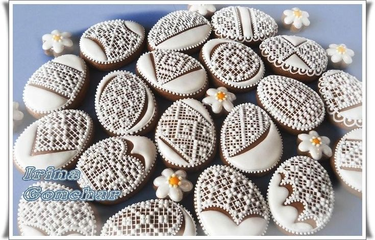 Easter Egg Cookies | Easter egg with white lace | Cookie Connection