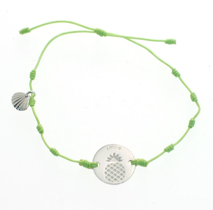 Inmotion Essentials by Monica Øien | The pine bracelet with silver coin and lightgreen tread
