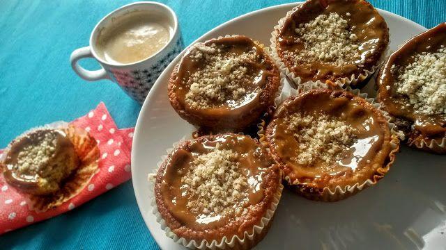 Kuchenne potyczki Alergiczki: Bezglutenowe muffinki gruszkowe z kajmakiem i orze...