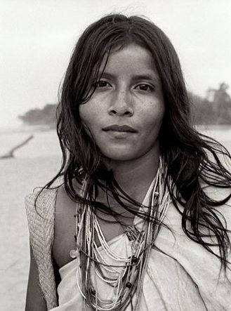 Kogui girl,Kogui are an Indigenous ethnic group that lives in the Sierra Nevada de Santa Marta in Colombia, #Tayrona #Ethnic Colombia