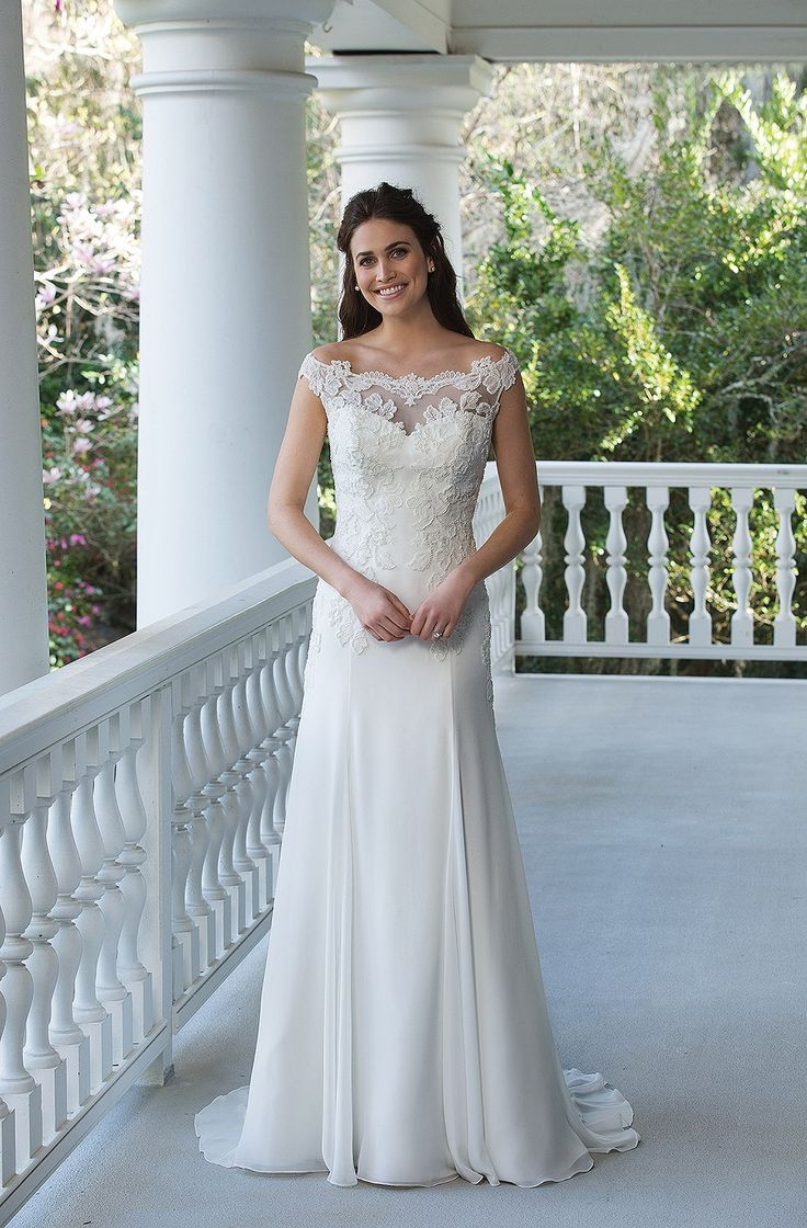 31 best wedding dresses images on Pinterest | Short wedding gowns ...