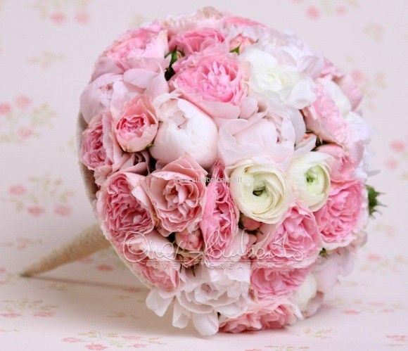Per una sposa romantica un bouquet delicato dallo stile shabby chic | Cira Lombardo Wedding Planner