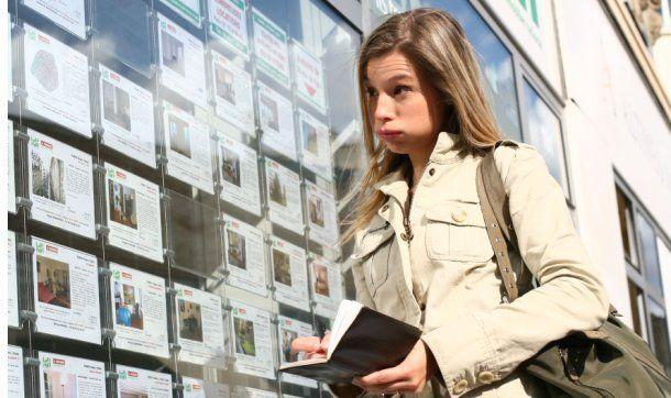 El termino personal shopper está relacionado con la moda, pero ahora podemos decir que ha traspasado fronteras y encontramos personal shopper inmobiliario. y no sólo para grandes fortunas. la imperiosa necesidad del sector inmobiliario de reinventarse hace que aparezcan nuevos…