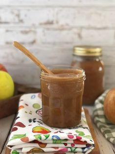 Burro di mele (apple butter): ricetta, ingredienti, come si usa. La ricetta semplice del burro di mele, senza zucchero. Ricetta per tutta la famiglia, perfetta per bambini.