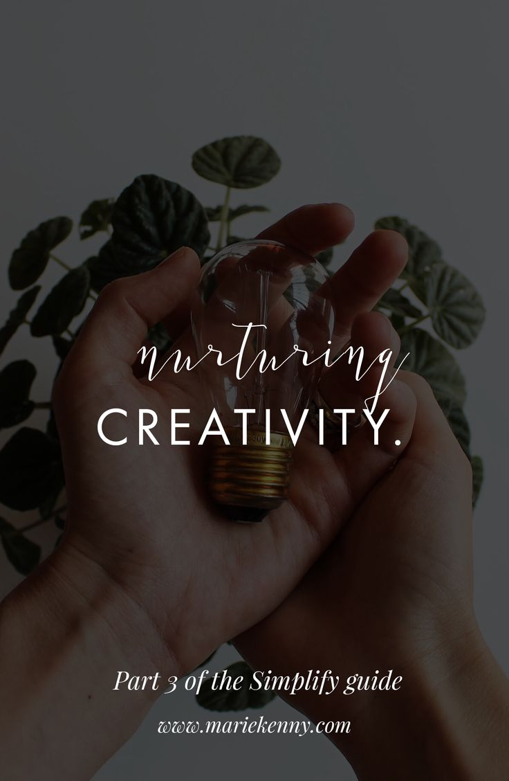 FREE MINIMALIST GUIDE | I keep getting asked by fellow creatives how I use minimalism in my creative life. How did it help me gain clarity, and where would one even start to find more joy, freedom, focus and fulfilment in their work and life with the help of minimalism? So I decided to save you a lot of headaches and put the result of a few years of trial and error in a beautiful 45-page practical guide where you'll find tips, journaling questions and thought starters