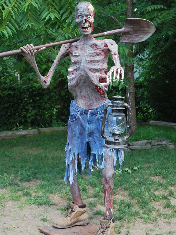 the haunting grounds an amazing assortment of halloween handmade props - Halloween Outdoor Decoration