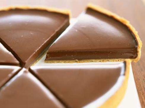 TARTE CHOCOLAT DE Frédéric ANTON (pâte : farine, sucre glace, beurre, jaunes d'oeufs) (Ganache : lait, crème, chocolat, beurre, oeufs)
