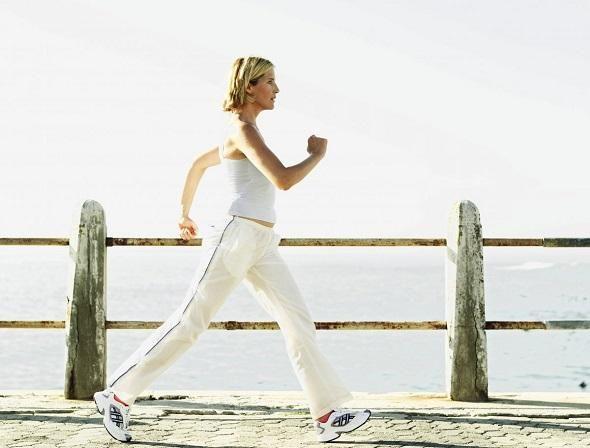 Ακολουθήστε μερικούς βασικούς κανόνες για να αδυνατίσετε απλά περπατώντας