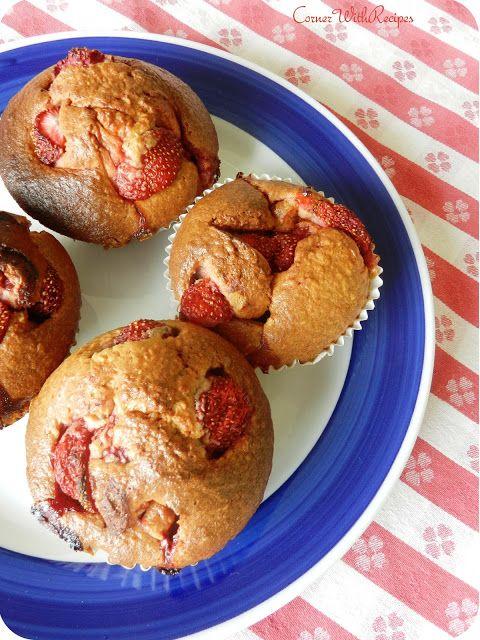 Owsiane muffiny z truskawkami