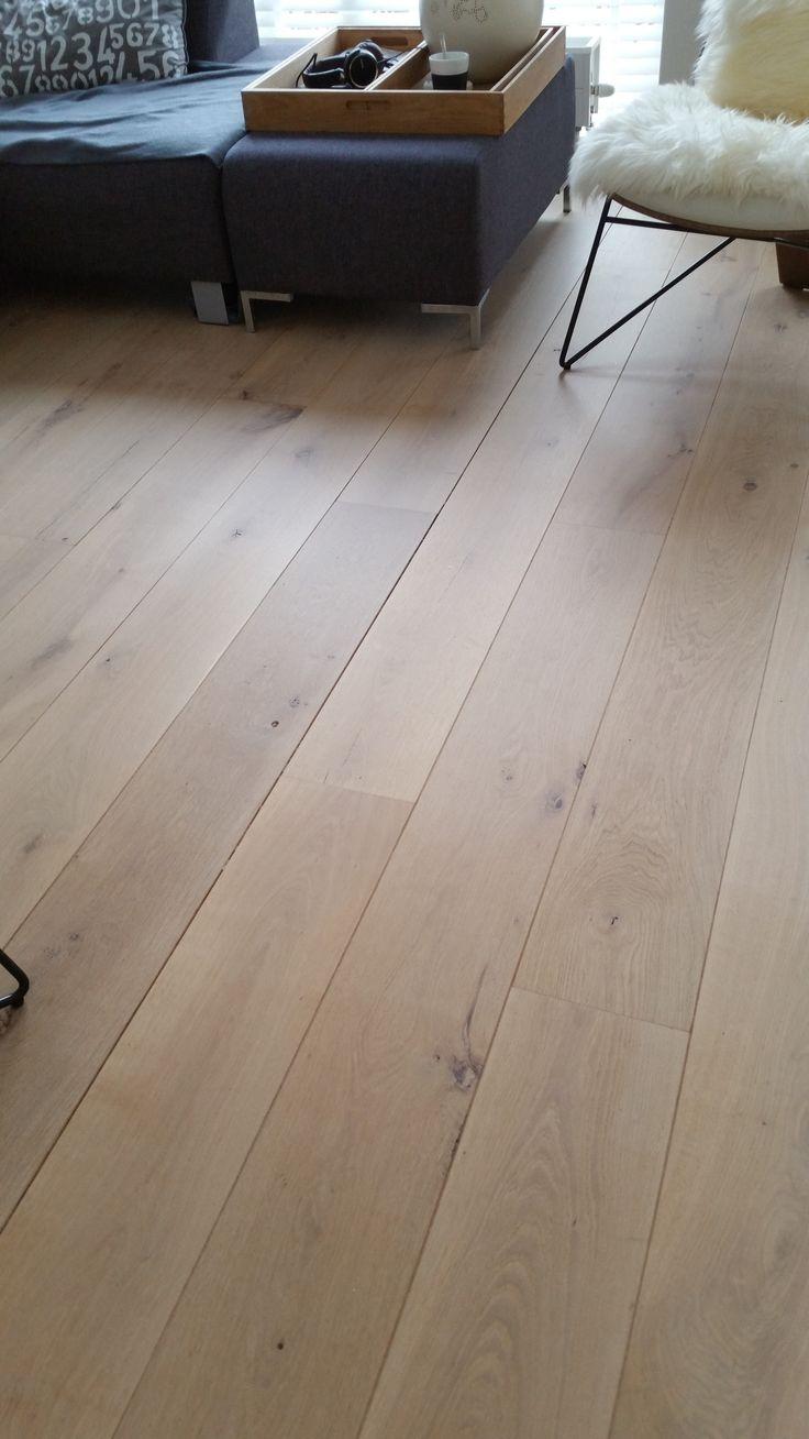 eiken planken vloer vl na schuren afwerking extreem matte lak afwerking