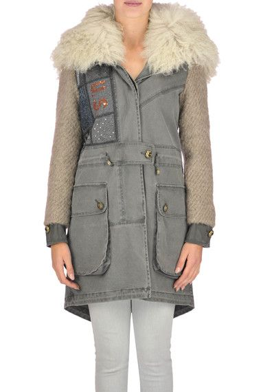 Buy Project Foce Singleseason Coats on glamest.com Fashion Outlet, select the Project Foce Singleseason Clio parka coat of your choice up to 50% off.