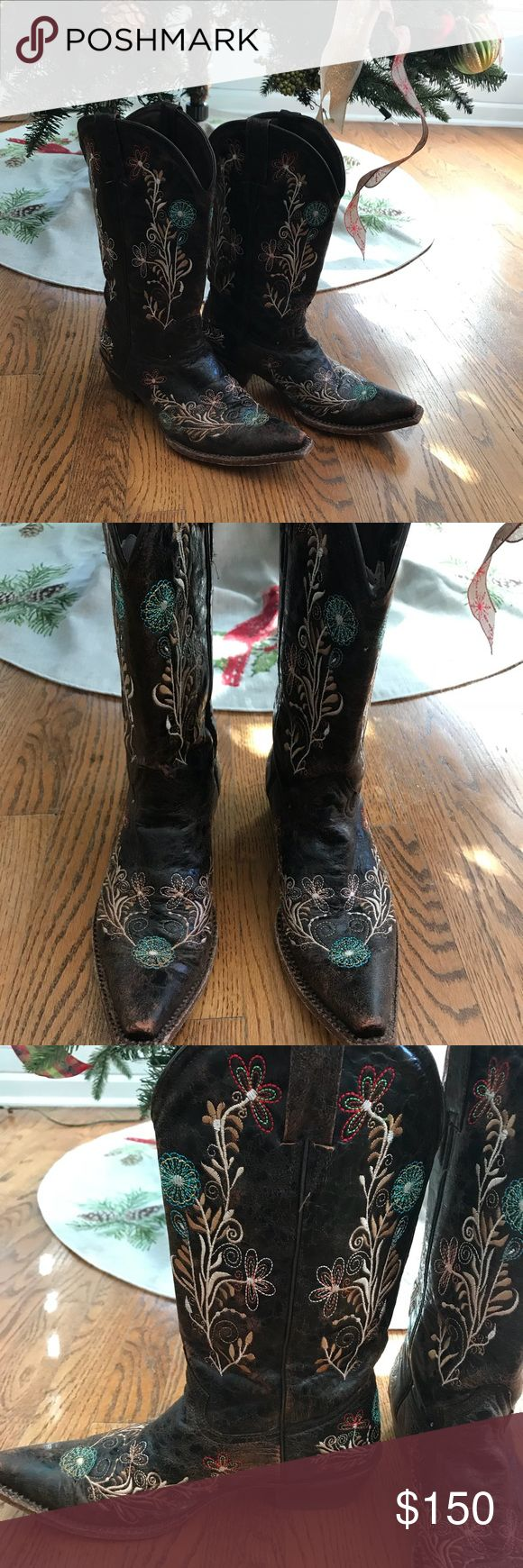 🌼Peco's Bill Genuine Leather Boots Peco's Bill Genuine Leather Hand Stitched Boots Size 8.5 EUC run true to size Peco's Bill Shoes Heeled Boots