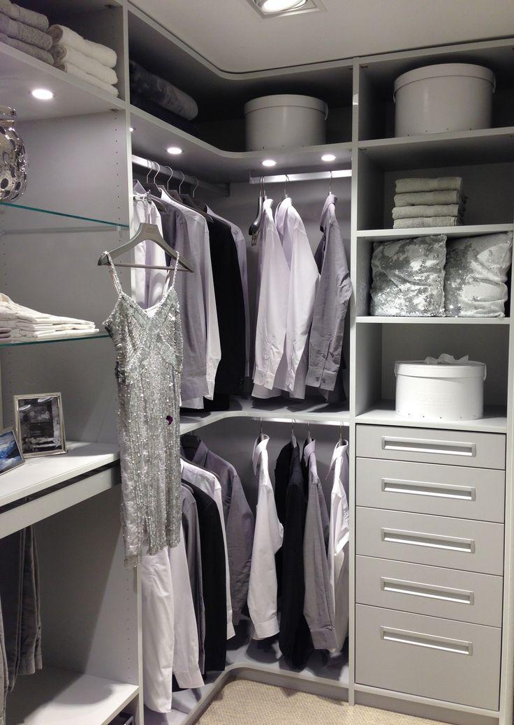 Begehbarer Kleiderschrank mit integriertem Licht - halbes Zimmer - von CABINET