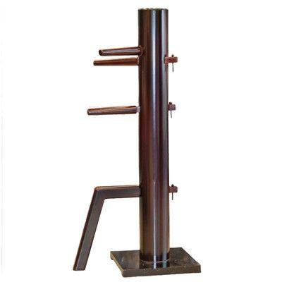Klassisk Wing chun dummy utan väggupphägning. Tillverkad i massivt trä med fästplatta mot golvet. Dummyn är ca. 167 cm hög.
