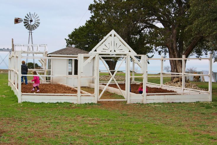 Magnolia farms waco texas the following is from this for Old farm chicken coops