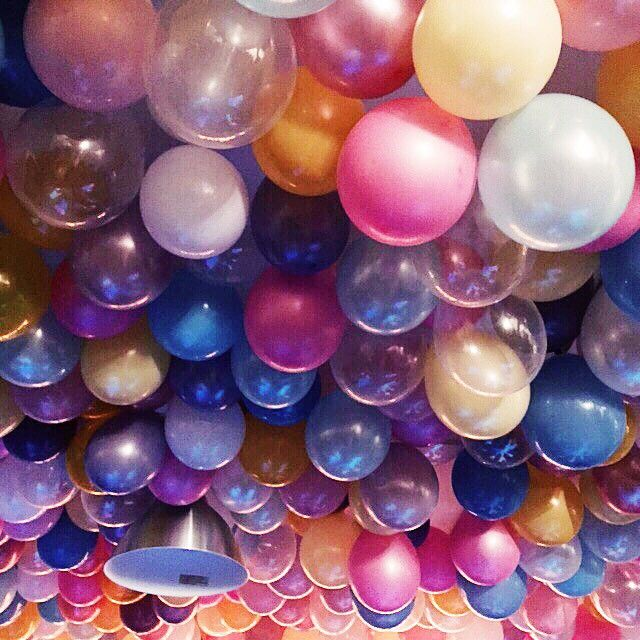210 best style celebration images on pinterest birthday for Glitter balloon bowl